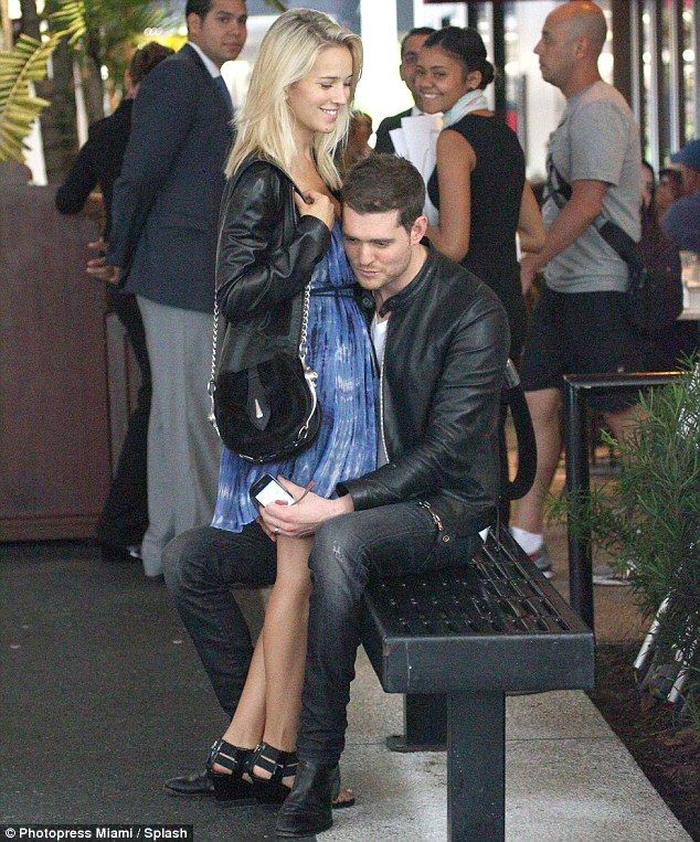 Luisana Lopilato and Michael Buble will make your heart melt | baby bump chic