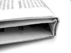 giornale arrotolato quadrato