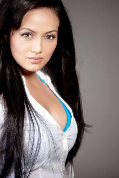 Sana Khan Hot Pics