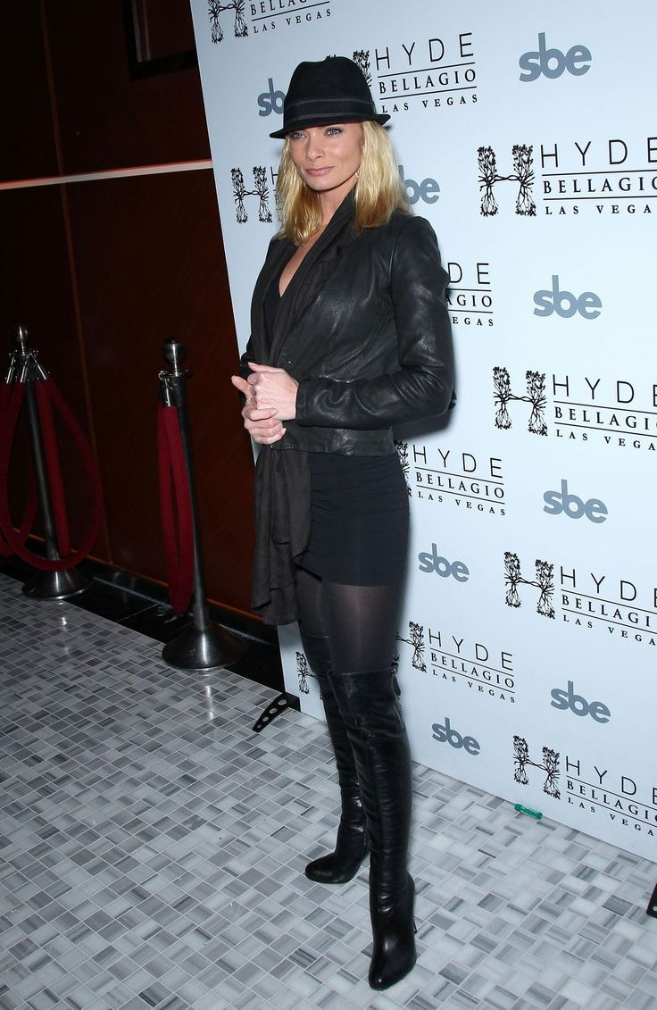 Jaime Pressly in pantyhose - More pictures here: http ...