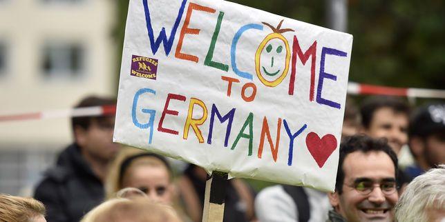 L'Allemagne a déjà accueilli près de 13 000 migrants depuis le début du week-end  Le Monde.fr | 06.09.2015 à 13h32 • Mis à jour le 06.09.2015 à 18h58 Martin Meissner / AP