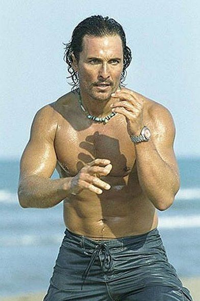 Pin for Later: Prepare to Fall in Love With Matthew McConaughey All Over Again  Matthew was shirtless and ready to battle in 2005's Sahara.
