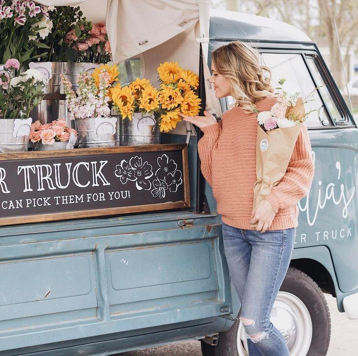 Amelia's flower truck in Nashville Instagram