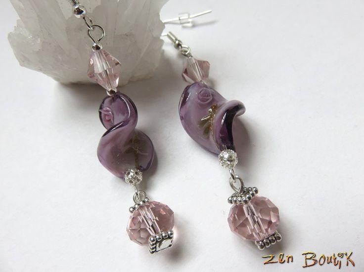 Boucles d'oreilles Verre Lampwork Pétale Rose Mauve torsadé et Cristal Crochet argent 925 : Boucles d'oreille par zenboutik