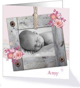 Dit schattige klassieke geboortekaartje is erg populair en komt uit onze collectie Hoop, Geloof en Liefde.