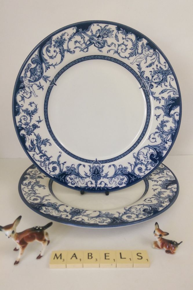 QUEEN S  ~THE ROYAL PALACES, HISTORIC ROYAL PALACES~ dinner plates x 2