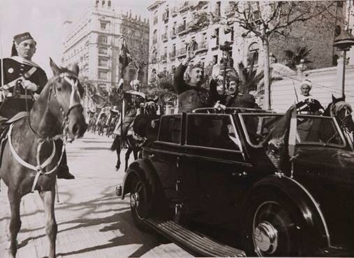 Franco entra en Barcelona.