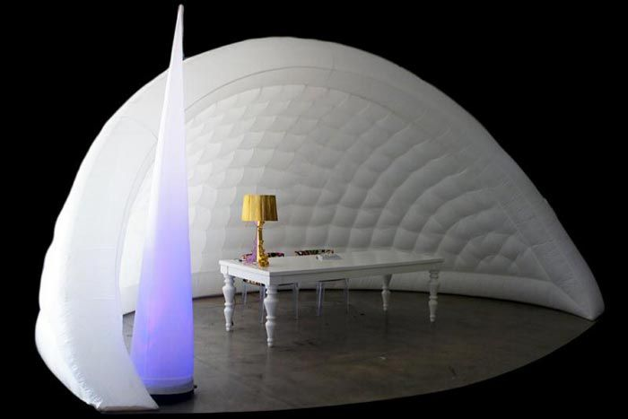 Bubble Miami offers its inflatable igloos and walls for events throughout Florida. Rental prices range from $200 to $800.