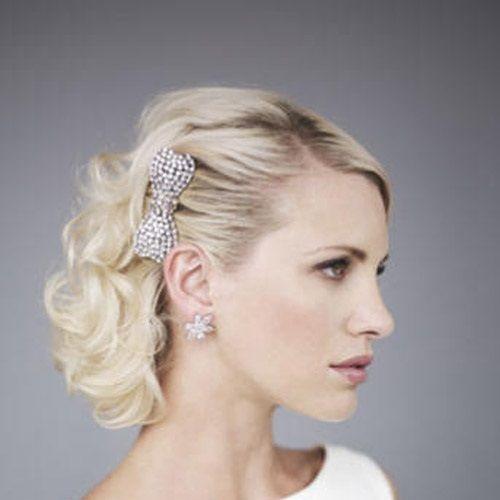 Прическа на короткие волосы, свадебная прическа короткие волосы, прическа ретро, заколка в волосы