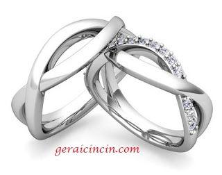 Cincin Kawin Desain Double Ring Gelombang Unik dan Cantik Material bahan: pria, 6 gram Palladium dan wanita, 6 gram emas + Permata Berlian 0.01crt ( 8 butir) info order:pinBB: 521D3B3F  call/wa: 089653501345 website: www.geraicincin.com #Cincin-Kawin #Cincin-Nikah #Cincin-Tunangan #cincin #kawin #jewelry #jewellery #CincinKawin #CincinNikah #nikah #CincinTunangan #tunangan #terbaru #model #harga #desain #weddingring #emas #murah #platina #palladium #perak #nikah #tunangan #rings #wedding