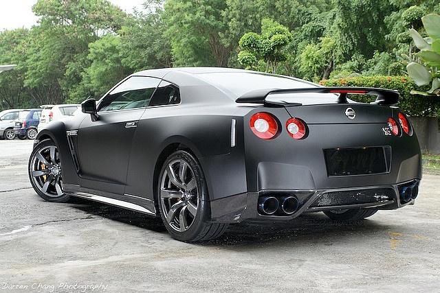 Matte Black Nissan Skyline R35 GTR 4  iiieeeee....