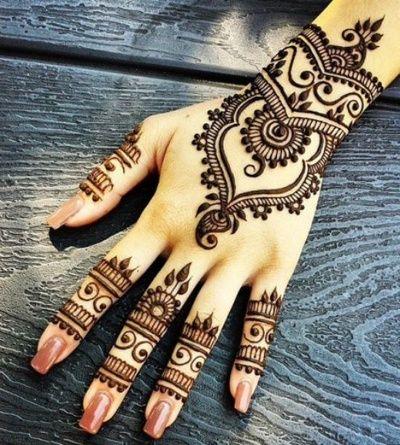 love this subtle statement Mehendi design!   weddingz.in   India's Largest wedding company   Indian Bridal Mehendi Art  