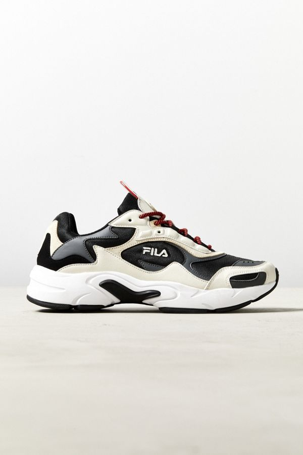 Wants 2019 Pinterest Sneaker In Fila Wardrobe Luminance 6pwgHqP