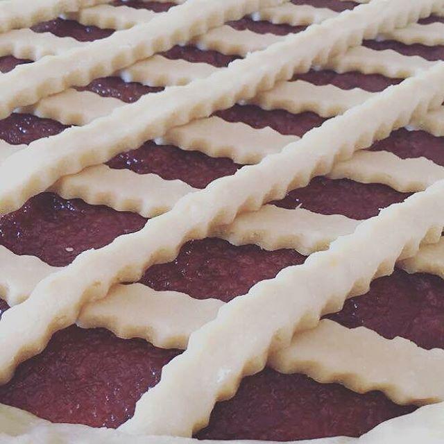 """232 Likes, 7 Comments - Recetas Argentinas (@recetasargentinas) on Instagram: """"Pasta Frola de dulce de Membrillo Ingredientes: 350 gramos de harina 1 cucharadita de polvo de…"""""""