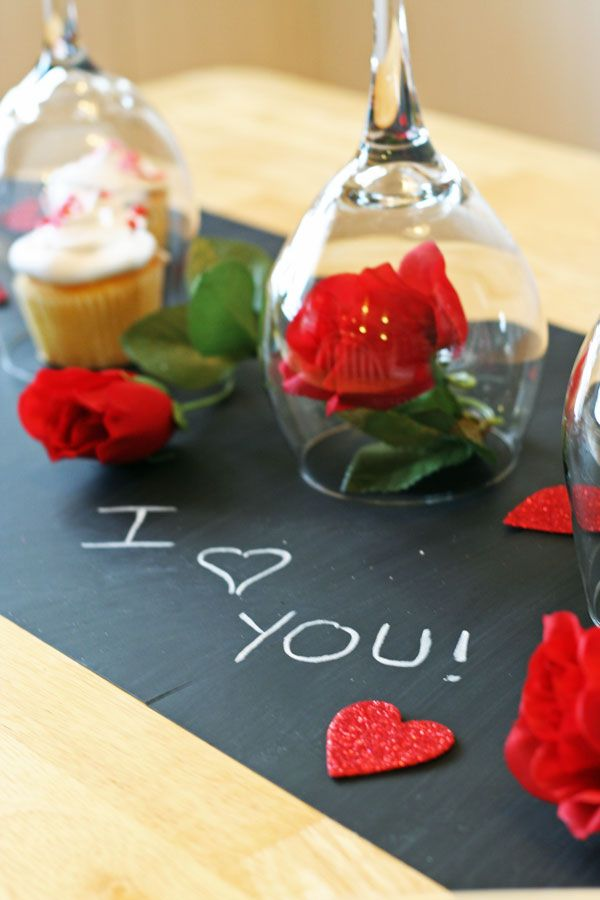 DIY Valentine's Day Table : What a fun idea for Valentine's Day or for a Wine Tasting party!