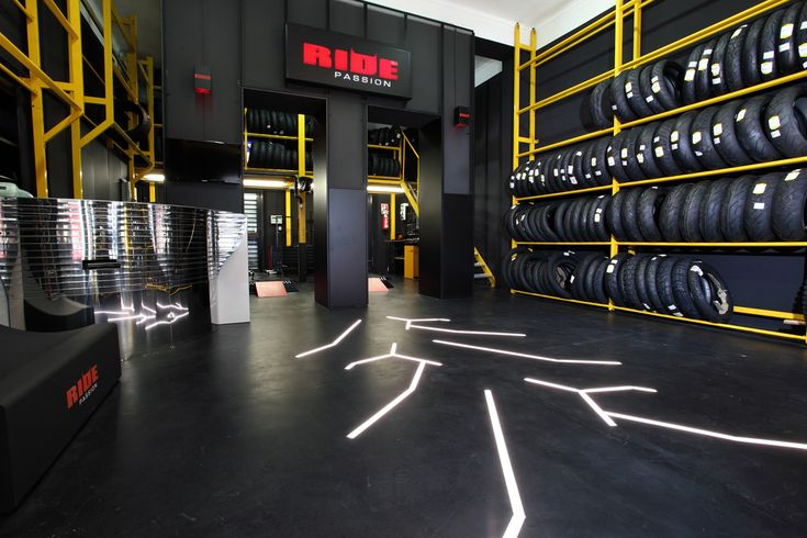 Pirelli Ride Passion, the exclusive network of motorcycle shops. - Car Tyres, Motorcycle Tyres, Truck Tyres, Motorsport tyres - PIRELLI INTERNATIONAL