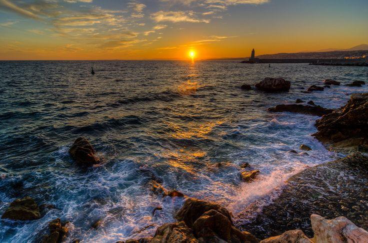 sunset sur la baie des anges - null