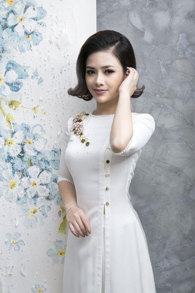 Dương Hoàng Yến diện áo dài điệu đà đón Xuân ảnh 2