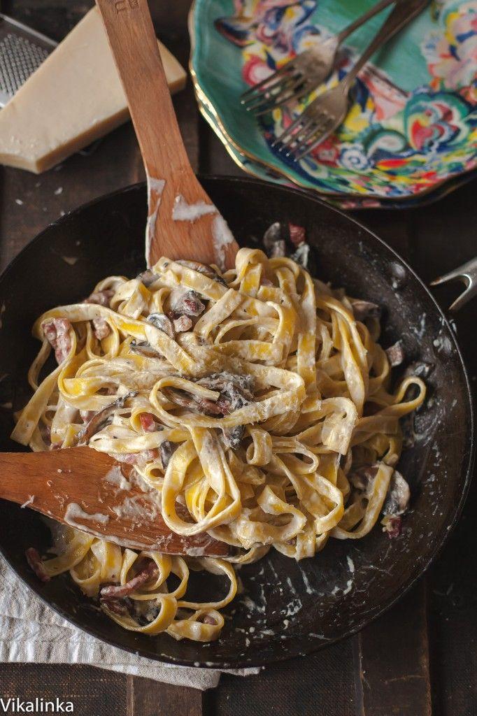 Creamy Tagliatelle with Bacon, Portobello Mushrooms and Truffle Oil