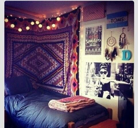 Hipster boho chic bedroom tumblr rooms pinterest for Apartment bedroom ideas hipster
