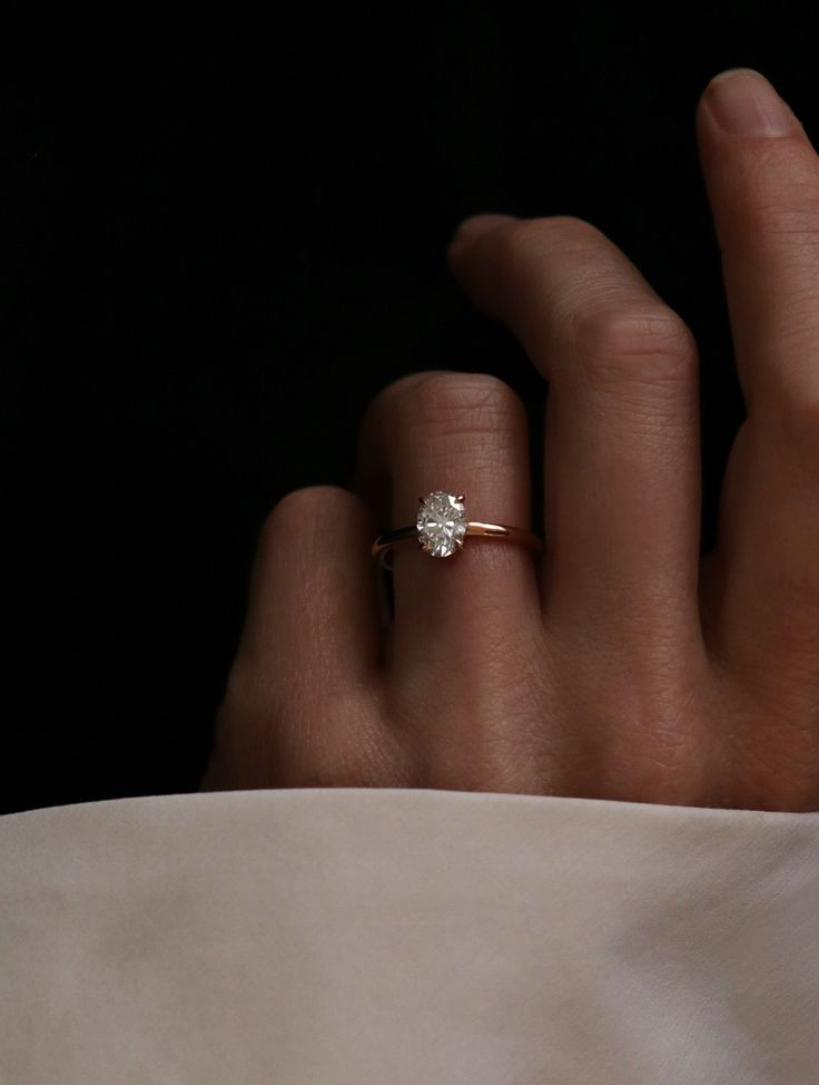 VOW: Vrai & Oro Wedding Moden Oval Engagement Ring Conflict-free diamonds and free home try-on.