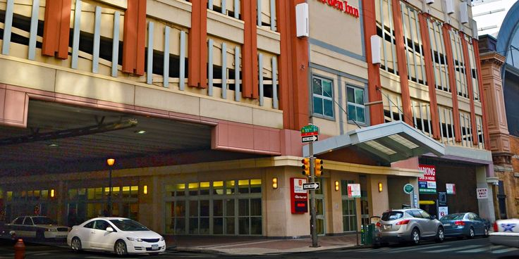 Situated in Philadelphia's central business district, Hilton Garden Inn Philadelphia Center City offers easy access to many of the city's main attractions,...