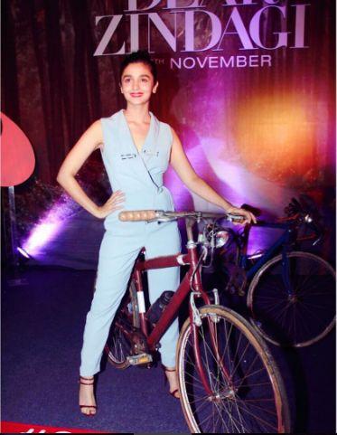 Cycle ko recycle ❤️#dearzindagi
