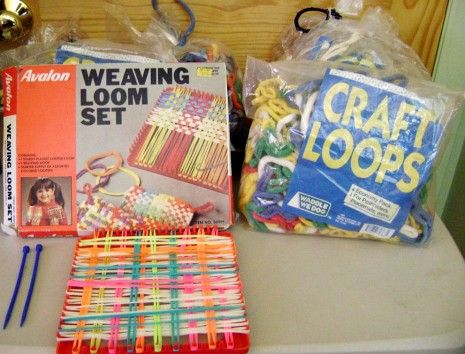 Pot holders...My Sisters, Gift, Mothers Day, Neon Bracelets, Childhood Memories, Weaving Looms, My Families, Memories Lane, Crafts