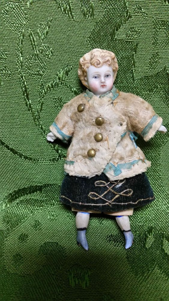 """ANTIQUE C1800's TINY CHINA DOLL IN ORIGINAL CLOTHES 3 1/2"""" TALL"""