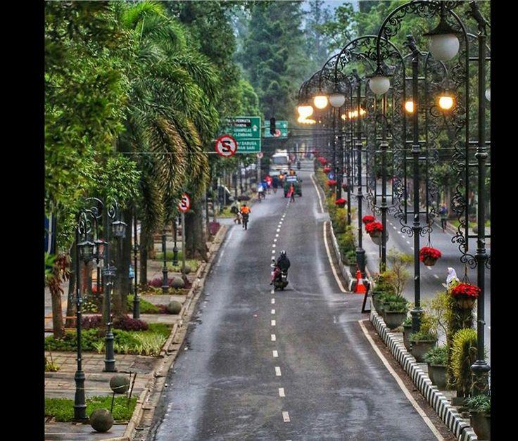Jl. Dago (Ir. H. Juanda) - Bandung