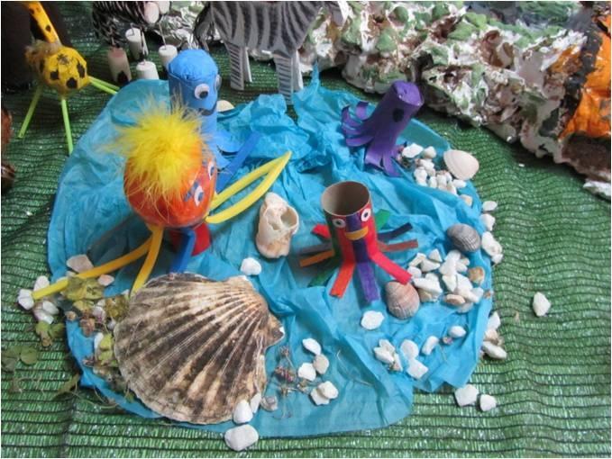 Animales del mar. Animalario reciclado de personajes de cuento elaborado por alumnos de EI del CEIP Santa Teresa