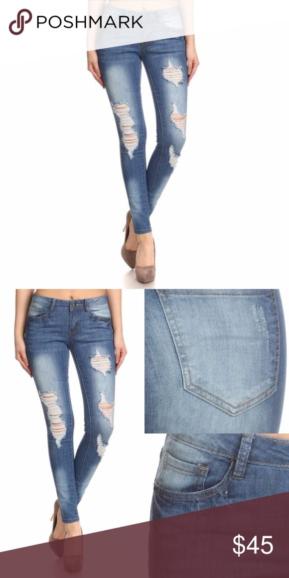 """WILA Distressed Skinny Jeans ✨distressed full length skinny jeans ✨zipper and button closure, belt loops, classic 5 pocket styling  ✨96% cotton, 4% spandex  ✨size 1 ✨inseam = 27.5""""; waist = 13"""" WILA Jeans Skinny"""
