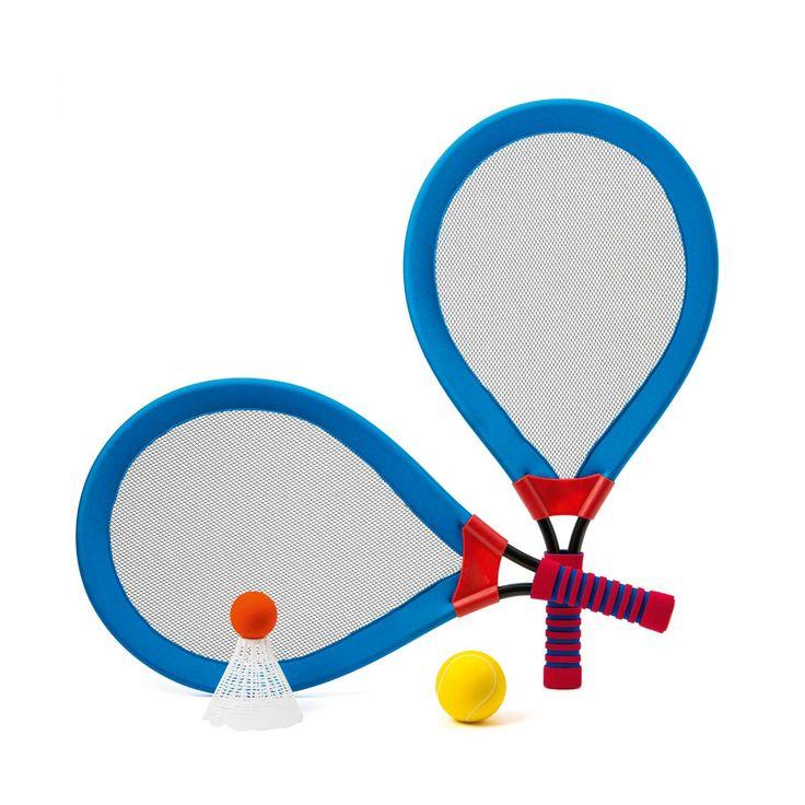 S'il veut jouer au tennis ou au badminton et que vous voulez  lui apprendre à taper dans la balle, proposez-lui ce jeu de raquettes géantes. Comme elles sont grandes, légères et que leur filet est souple, il lui sera pratiquement impossible de rater son coup. C'est encourageant et cela lui permet de jouer en douceur pour acquérir de la précision et de l'adresse. Ces deux immenses raquettes sont accompagnées d'une balle et d'un volant. Votre enfant alterne les sensations et...