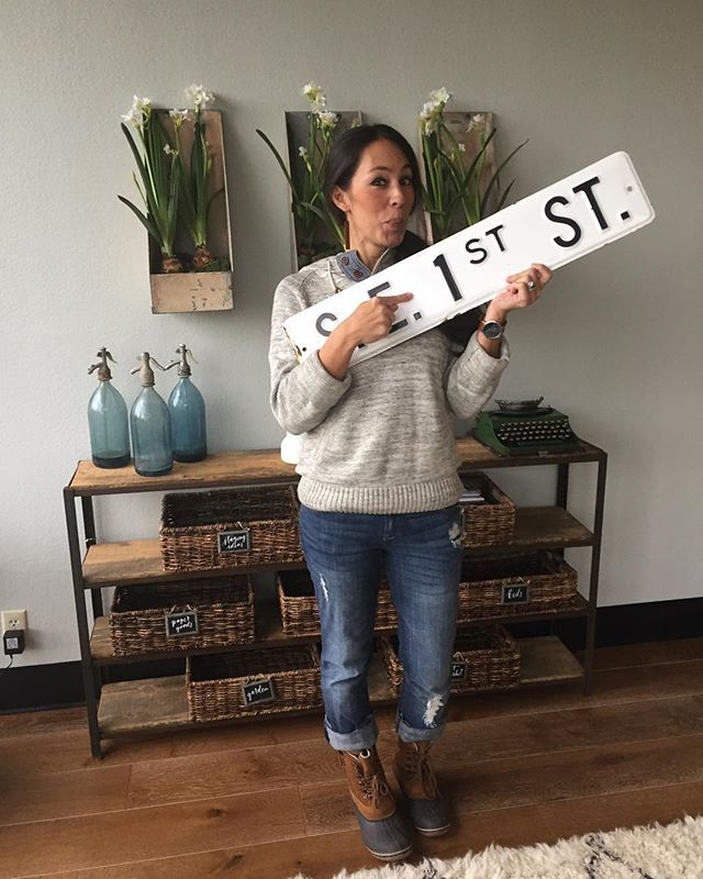 """@joannagaines went antiquing in search of the perfect """"one"""" and here it is! Only ONE day until #fixerupper season three is here, and we can't wait to share the very first episode with you tomorrow evening on HGTV at 8 CT! We'll be live tweeting over at the @magnoliamarket Twitter account, so don't forget to tweet along with us!"""