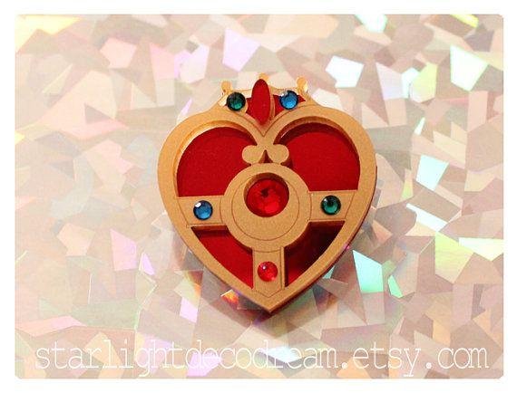 MINI broche Sailor Moon coeur cosmique acrylique inspiré Compact pour Mahou Kei & Magical Girl Fashion