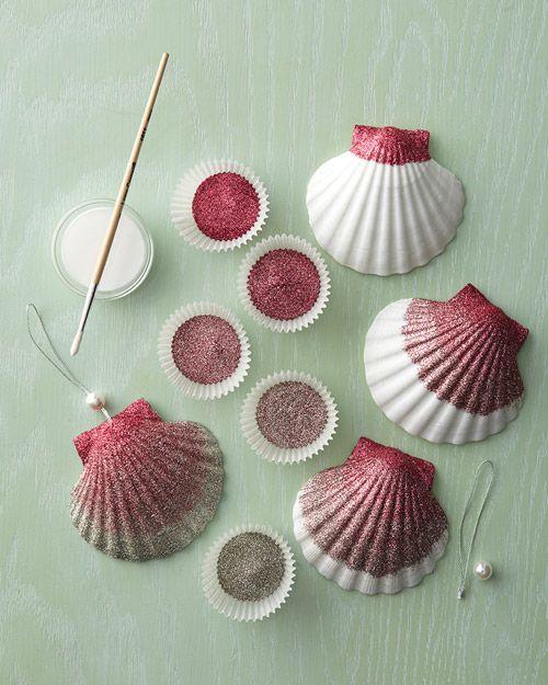 Best 25 painted sea shells ideas on pinterest shell art for Seashell ornaments craft