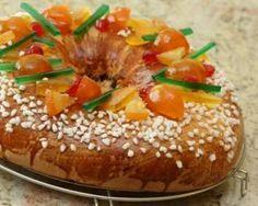 Galette des rois briochée et allégée aux fruits confits : http://www.fourchette-et-bikini.fr/recettes/recettes-minceur/galette-des-rois-briochee-et-allegee-aux-fruits-confits.html