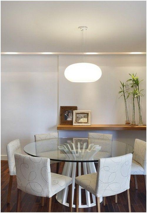 Sala de jantar com mesa redonda                                                                                                                                                     Mais