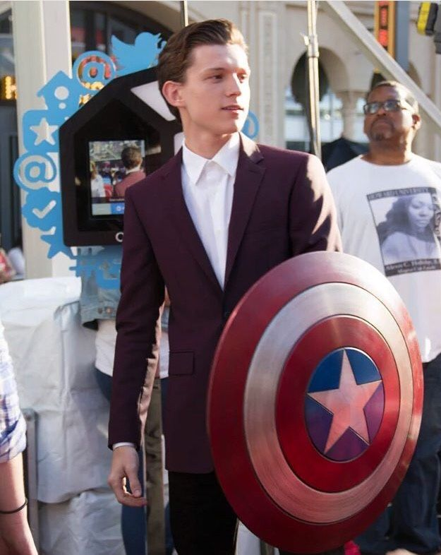 Tom Holland @ Captain America Civil War...he's got Cap shield!!