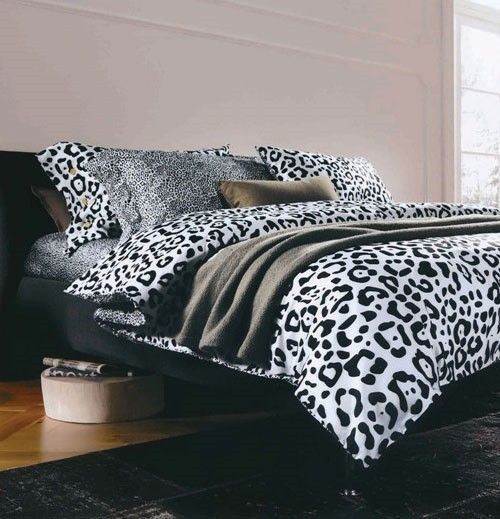 Ordinaire Black And White Cotton Abstract Double Bedsheet