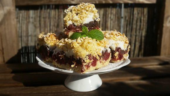 Ciasto pleśniak z wiśniami