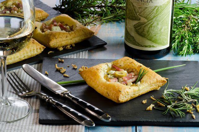 Hojaldres de queso y cebolla (aperitivo)