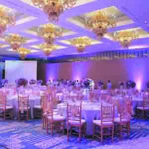 Tempat Pernikahan: Gedung Vs. Rumah