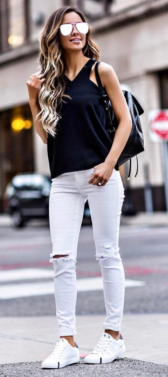 white jeans, reflective sunglasses, aviator glasses, black and white outfits, white sneakers, athleisure