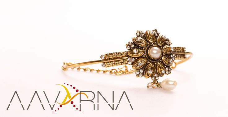 Well embellished with fine stones, these Bajuband are intricately designed to impart them classy and trendy look. These gold bajuband are available in varied patterns, designs and style to suite well with the requirements of our customers.   Please message us for more details. More pictures to come.  #bridesmaid #indianwedding #wedding #jewelry #bollywood #indianfashion #shaadi #indianbride #hindubride #baju #bollywoodfashion #onestopweddingshop #bridalwear #traditional #aavarna #hindubride