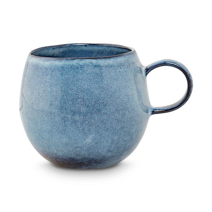 Da bekommen selbst Morgenmuffel gute Laune! Handgefertigter Becher Sandrine in blau, von Bloomingville
