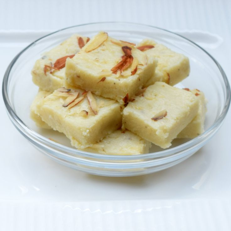I always liked fresh Kalakand, an Indian milk and cheese fudge basically from Northern India. The melt in mouth and grainy texture makes it one of my favorite sweet. Presenting below a quick and easy way of making this dish and trust me it tastes same as we get them in our local famous Indian…