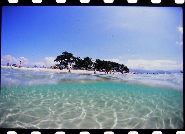 夏だけ現れる!福井県 水島 透明度が高く、魚もたくさん。シュノーケルを楽しみたい♪