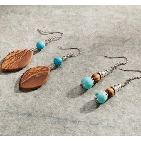 Ausgefallene Ohrringe aus wunderhübschem Olivenholz gefertigt. Es wird kein Ohrring dem nächsten gleichen, da die Maserung des Holzes bei jedem Stück einzigartig ist!