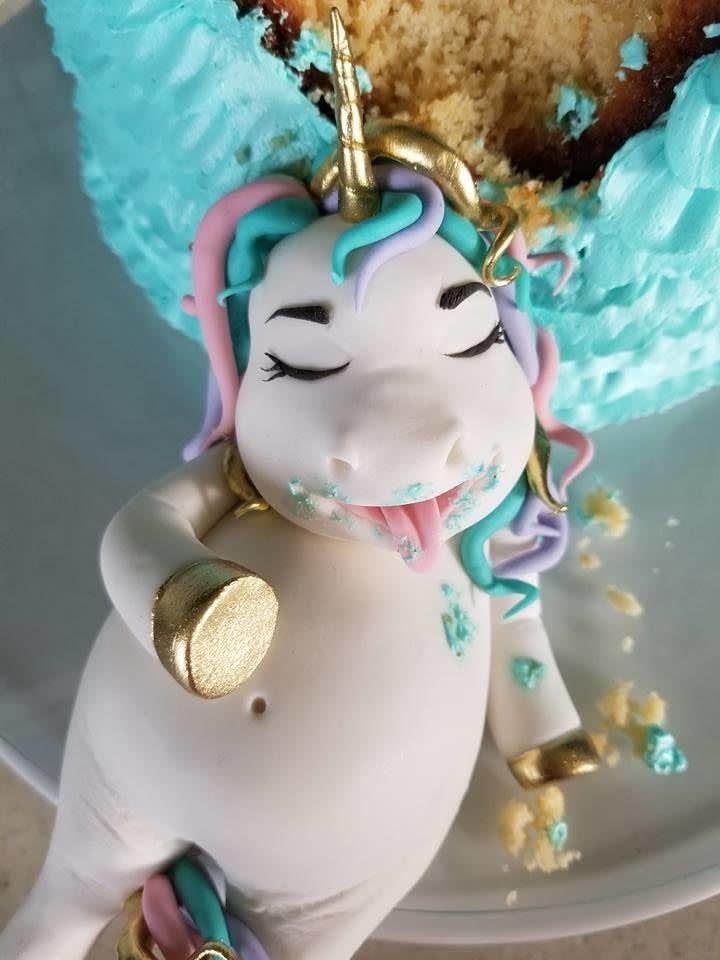 Fat unicorn cake topper